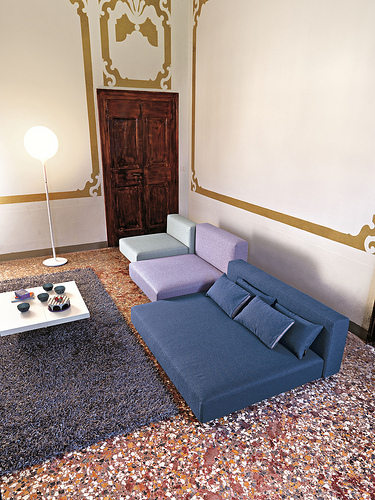 Lago Air Sofa 422